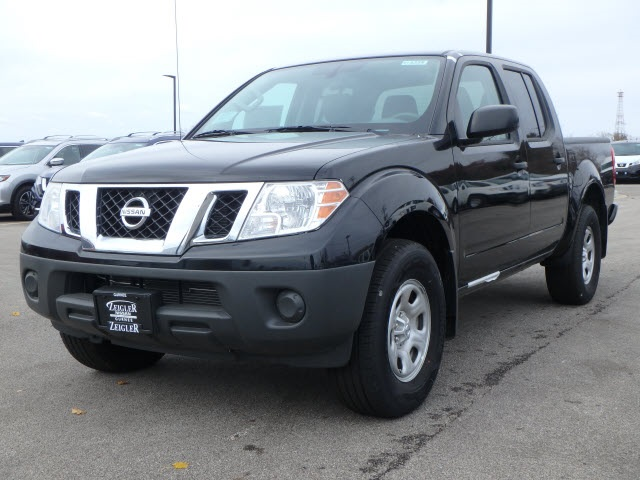Pre-Owned 2018 Nissan Frontier S